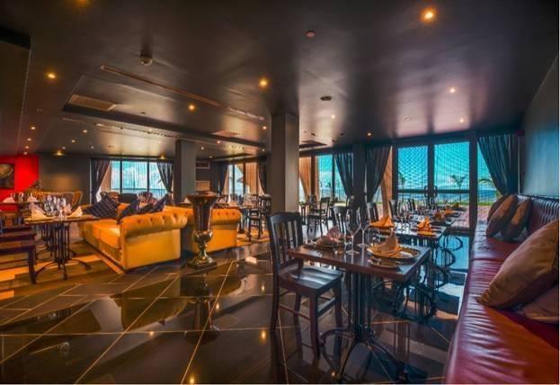 Custom made chesterfield sofas fro restaurants