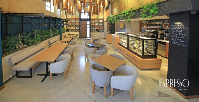 Cafe furniture with contract quality tables and chairs