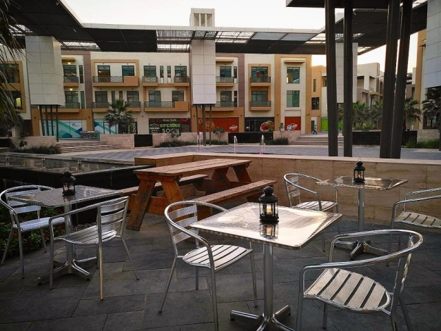 Stainless steel and aluminium outdoor restaurant furniture in Dubai