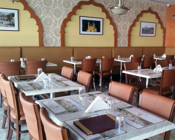 casual dinning restaurant furniture supplied to restaurant in Dubai