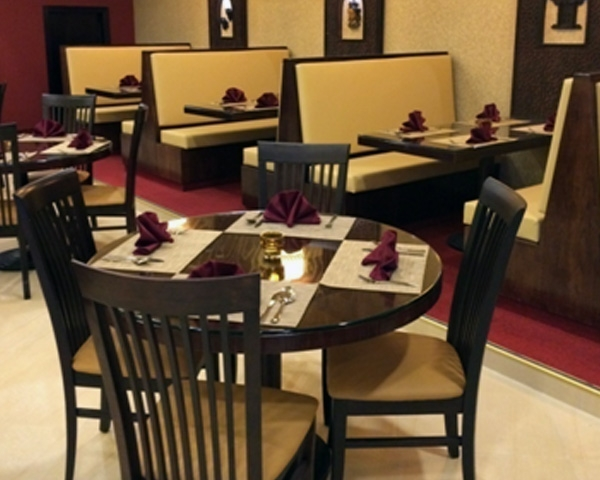 Fine Dinning restaurant furniture with elegant high back chairs